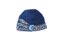Deco Vine Cloche - winter hat glove - hand-knit - French Knot