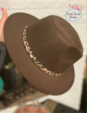 Load image into Gallery viewer, CowGirl Felt Hat