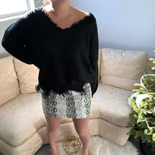 Load image into Gallery viewer, Marilyn Sweater (Black)