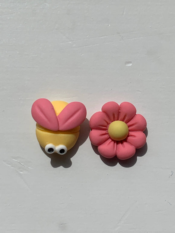 BEE & FLOWER Stud Earrings