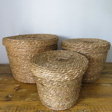 Load image into Gallery viewer, Natural Grass Basket with Lid