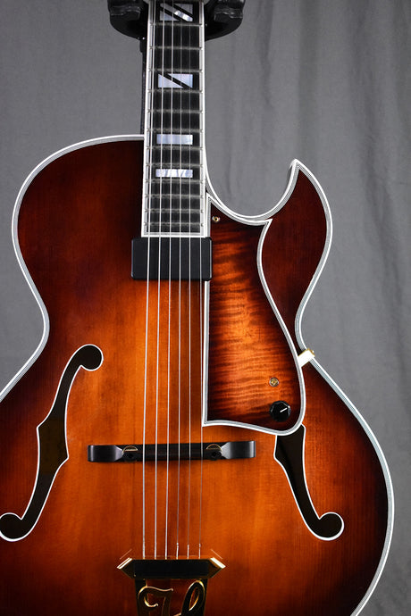 2010 Heritage Sweet 16 Almond Sunburst