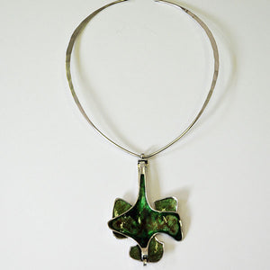 Silvernecklace with green enamel pendant by Bjørn Sigurd Østern - Norway 1970