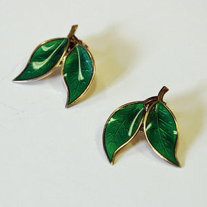 Pair of green enamelled ear clips by Willy Winnæss 1960s -Norway
