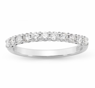 Straight Wedder with fine claws Diamond set 0.44ct