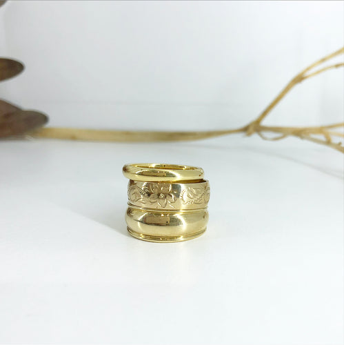 Gold floral engraved band