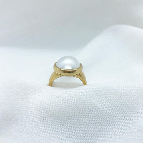 Mabe pearl large gold ring