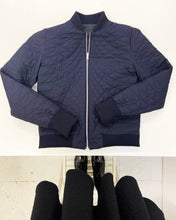 Load image into Gallery viewer, Betty Bonhard reversible waxed cotton bomber-jacket for women