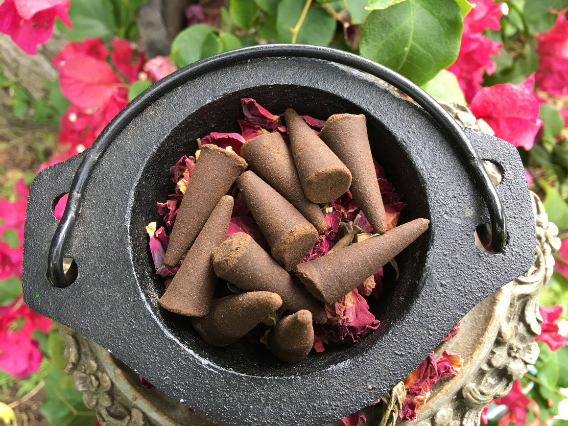 CINNAMON ROSE Incense Cones // Pack of 10 // Love Incense // Incense //  Magick // Witchcraft // Ritual Products // Wicca // Pagan