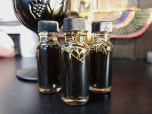 PROTECTION Ritual Oil // Witchcraft // Witch // Metaphysical // Anointing Oil // Wicca // Pagan // Hoodoo // Conjure
