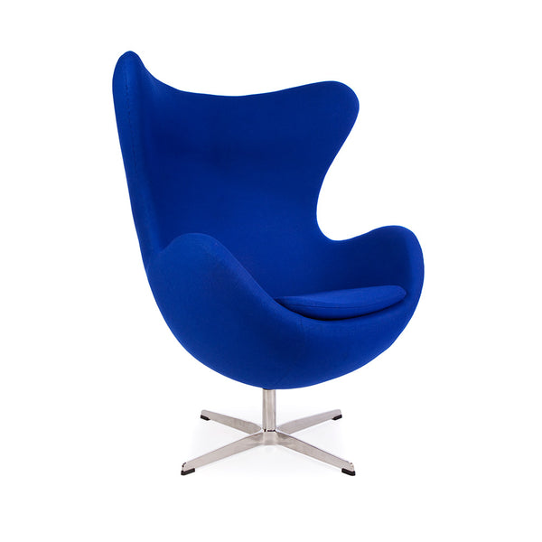 main view of the Arne Jacobsen Egg Chair in blue Cashmere