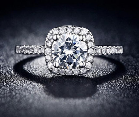 Luxury Diamond Stud Ring