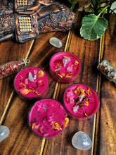Load image into Gallery viewer, Magenta Scented Tea Light Candles - Rose Petals & Rose Quarts