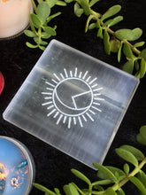 Load image into Gallery viewer, Selenite Charging Plate | Selenite