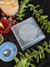 Load image into Gallery viewer, Selenite Charging Plate with Eye of Horus | Selenite