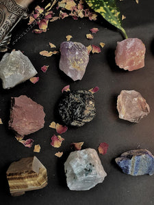 Raw Stones Set of 9