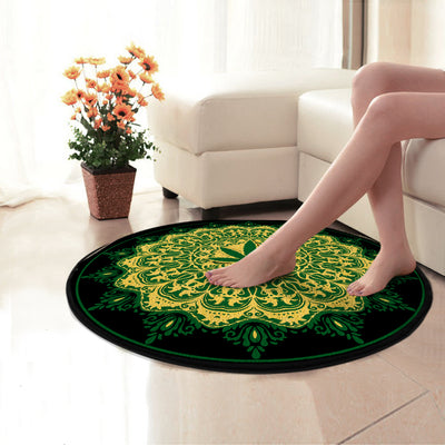 THE CANNABIS WITH GREEN LUXURIOUS BACKGROUND HIPPIE ROUND CARPET