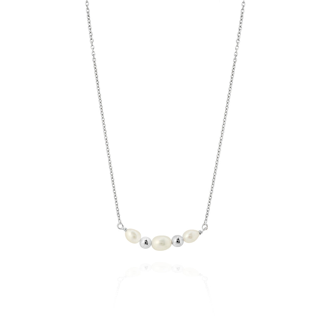 Viva Triple Pearl Necklace