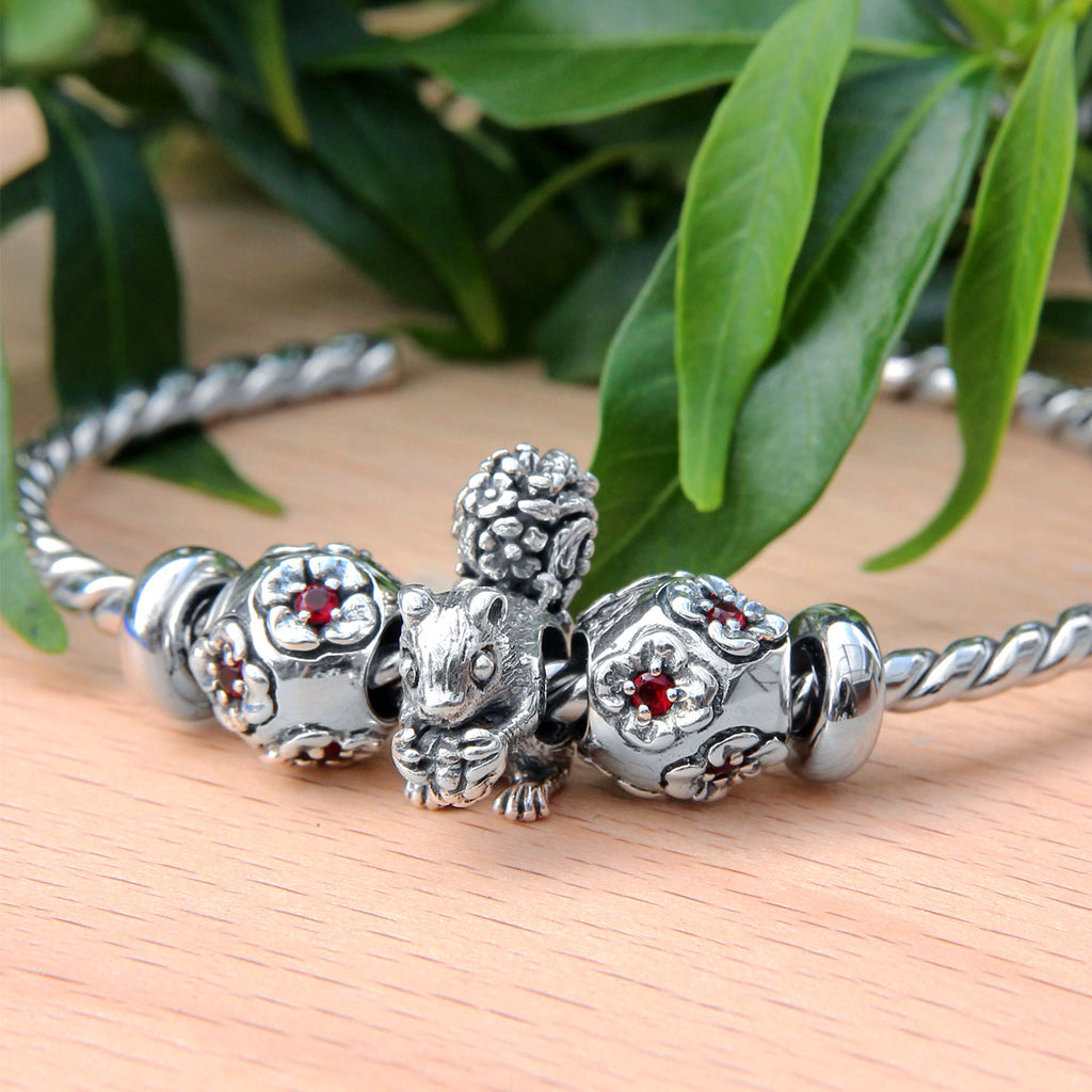 Squirrel Flower Bead