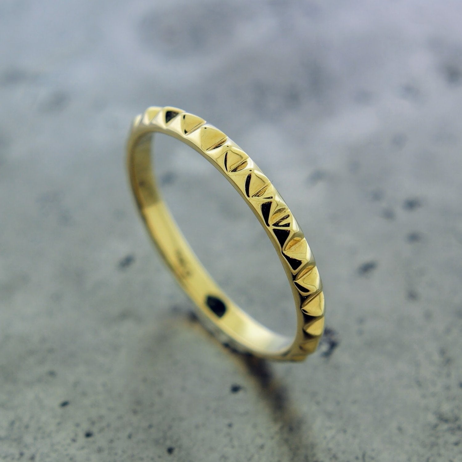 14K YELLOW TEXTURED RING