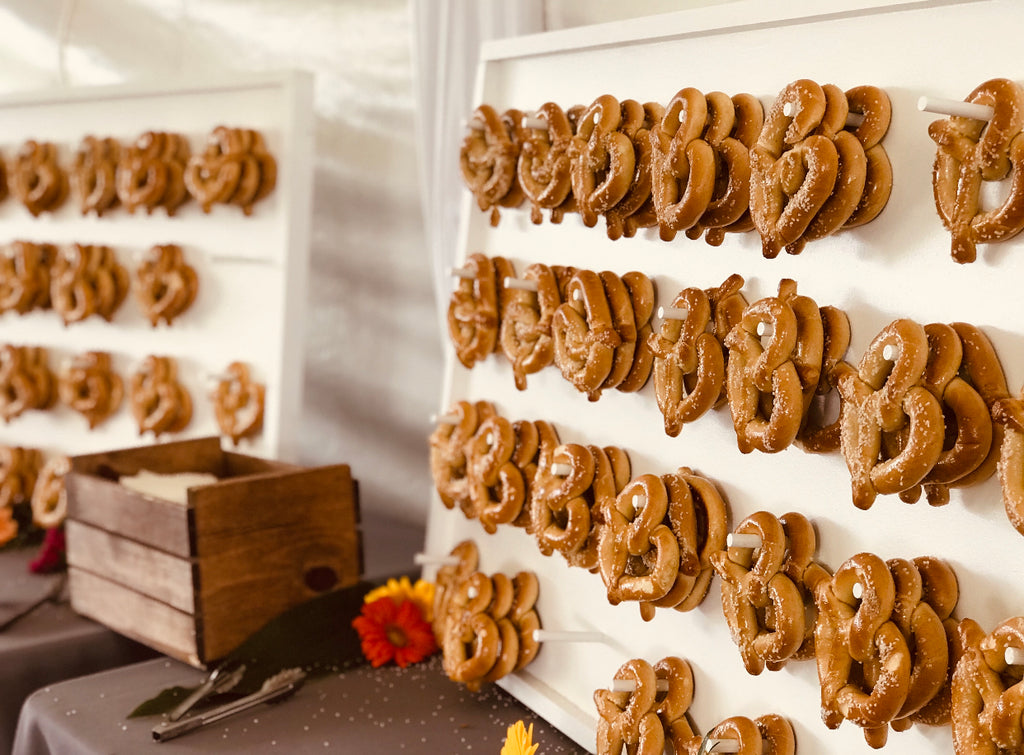 Basic Pretzel Wall - TreatWalls