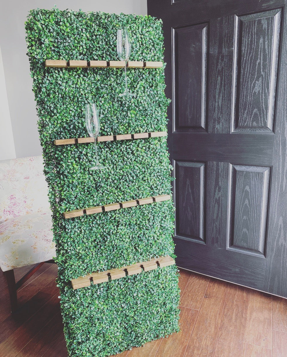 Boxwood Champagne Wall