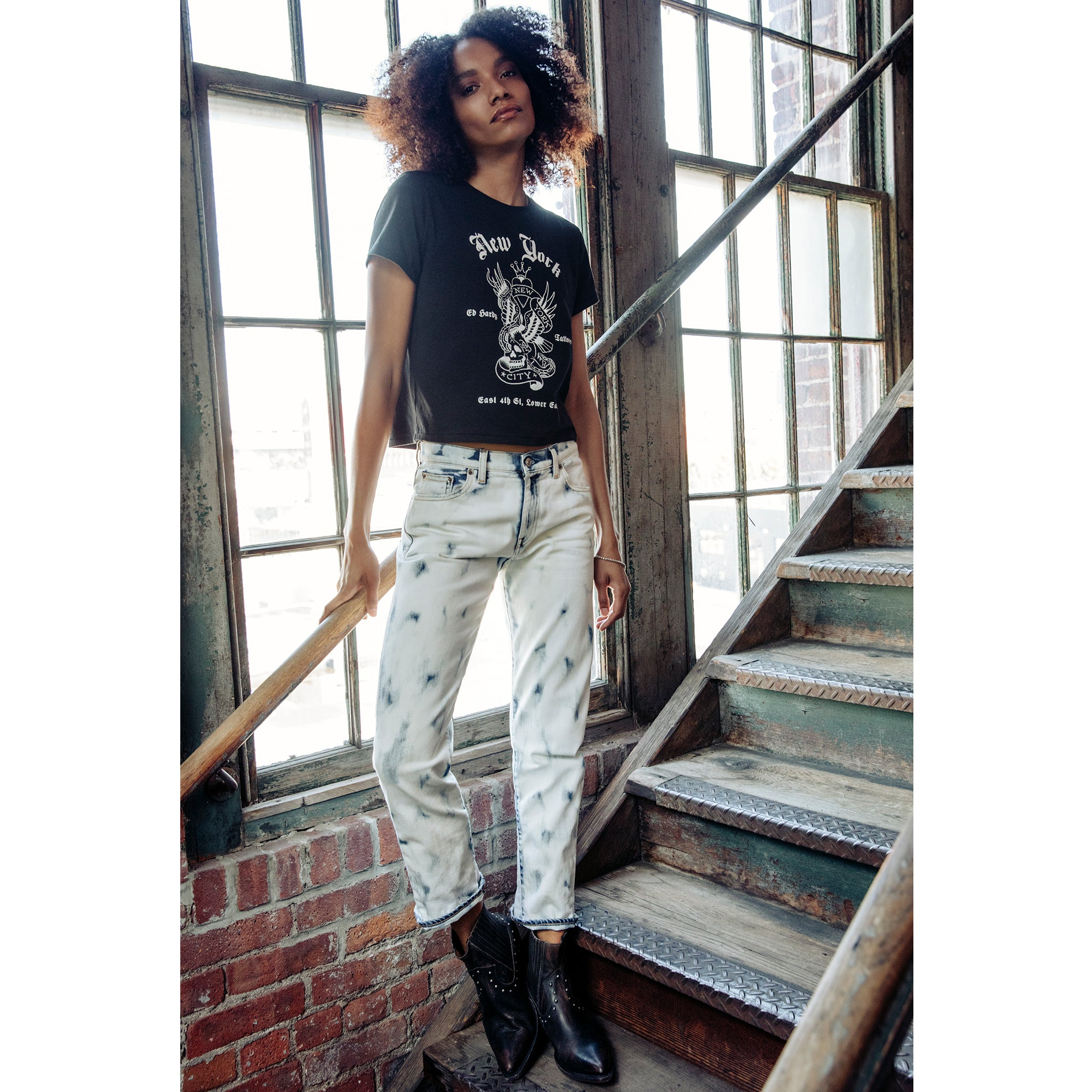 NEW YORK EAGLE CROPPED WOMEN'S TEE