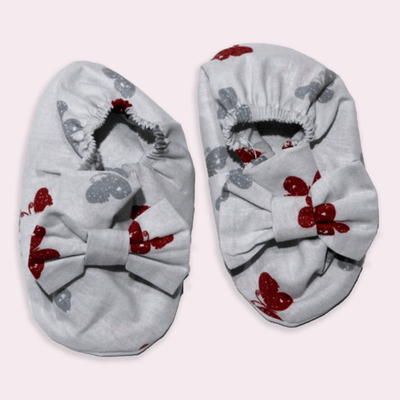 baby clothes - baby accessoires - baby shoes - baby girl - baby boy - butterfly pattern - gray baby shoes