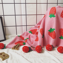 Pompon Kids Blanket - Strawberry Fields - Ganje's