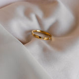 Gold cz stone ring