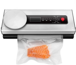 Our dual voltage vacuum sealer is perfect for those who love the outdoor. Vacuum seal your food with our 12V/240V food sealer.
