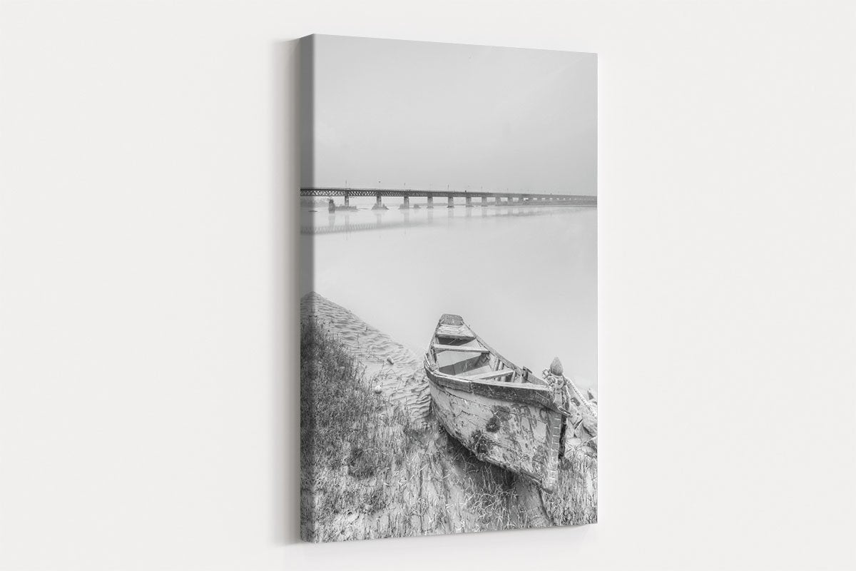Wooden boat on the shore black and white decorative painting 016