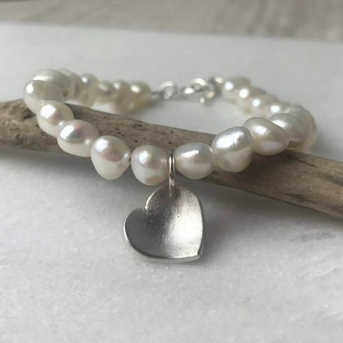 Cream Pearl Heart Bracelet