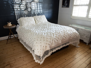 Earthy Home Style, Ethically Made Homewares, Handmade, eco-conscious, Ivy King Size Throw White
