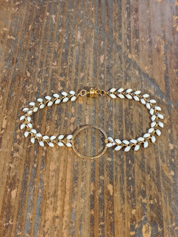 Hammered Circle White and Gold Ivy Bracelet