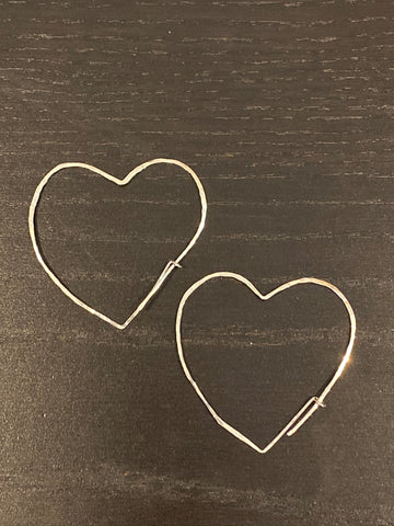 "Sterling silver hand hammered heart thread earring with self closure 2"" drop"