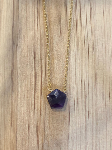 Gold amethyst pentagon choker necklace