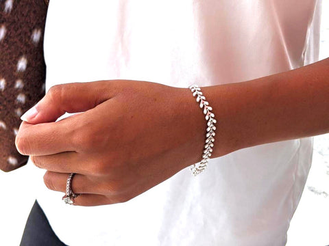 Regular White and Silver Ivy Bracelet