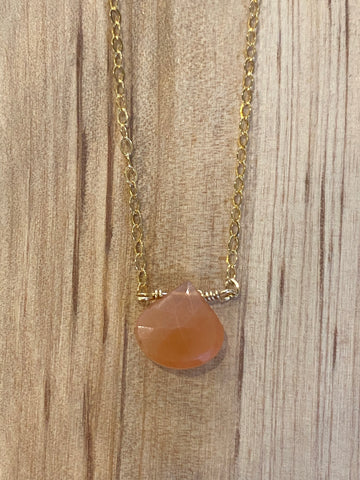 Gold Peach Moonstone teardrop moonstone necklace