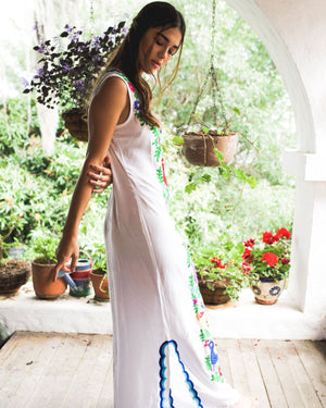 Sleeveless Chainstitch Woodstock Caftan ~ White & Blue