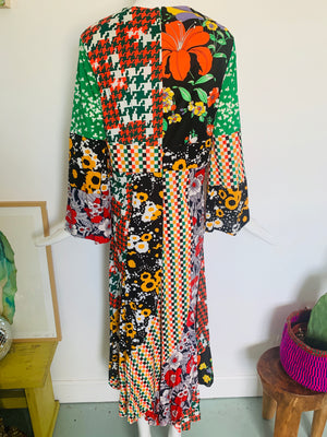 Beautiful 70s Wild Pattern Dress