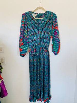 Vintage 70s Geometric Ruffle Collar Dress