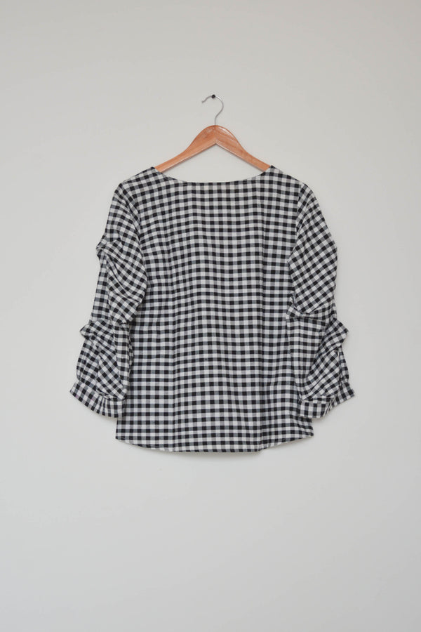 Preowned - Black and White Small Check Top