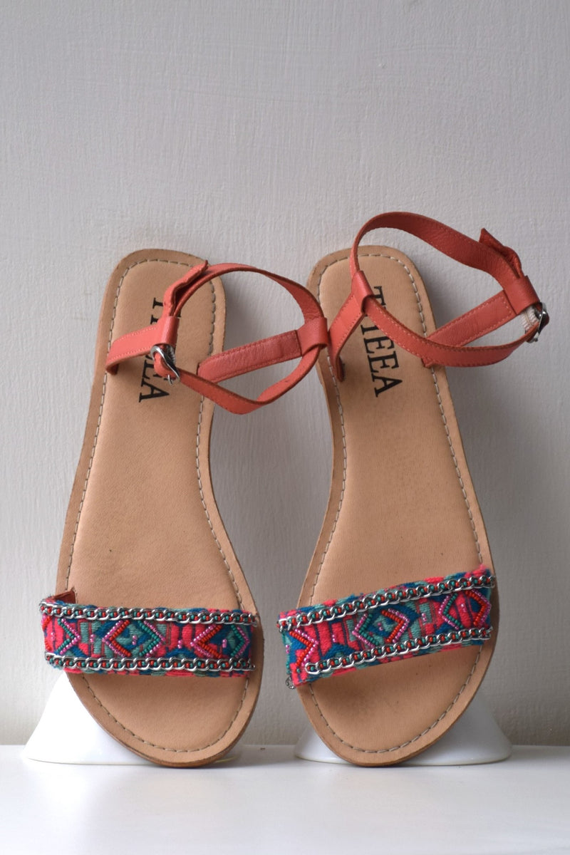 Preowned - Coral Embroidered Flats