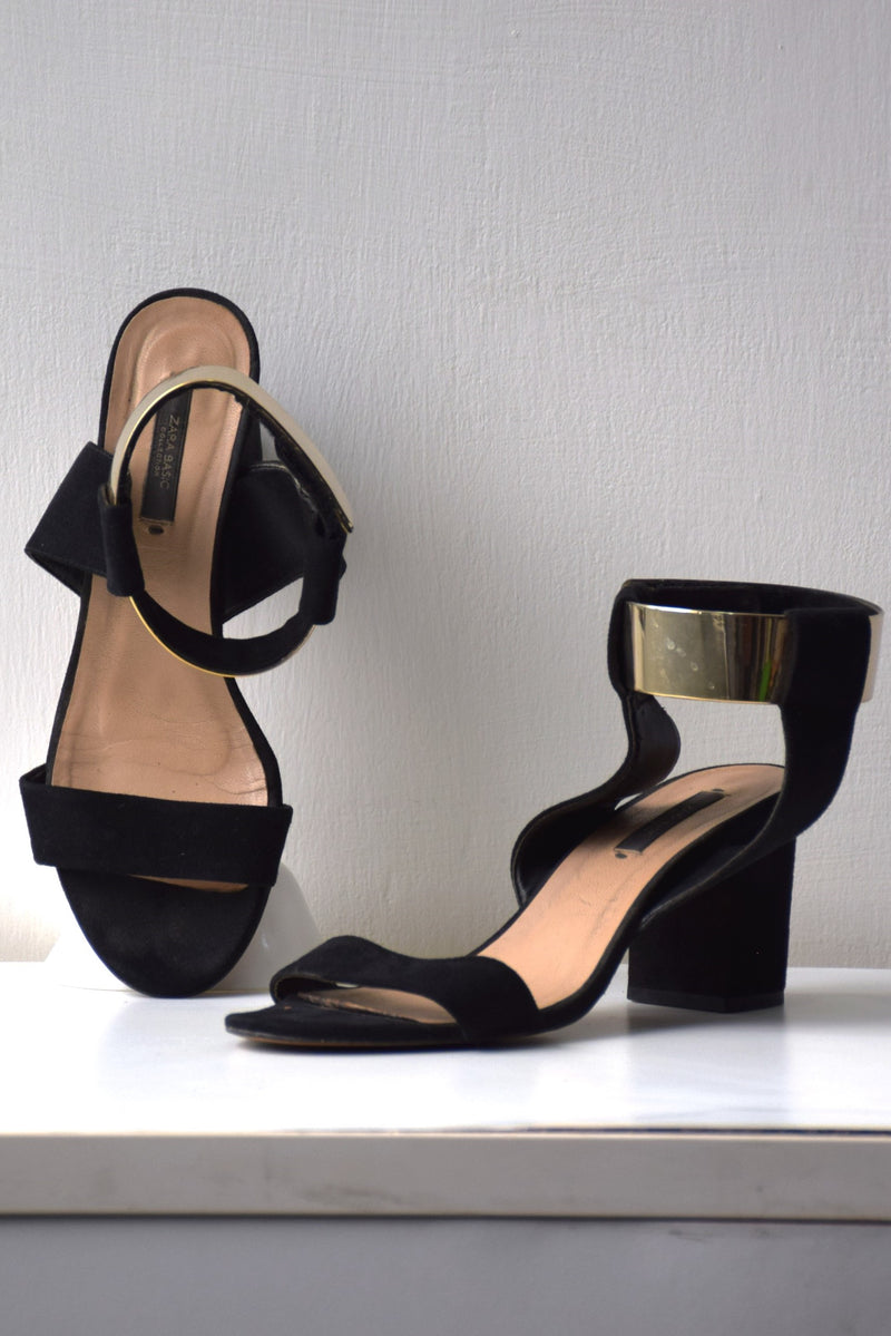 Preowned - Black Block Heel