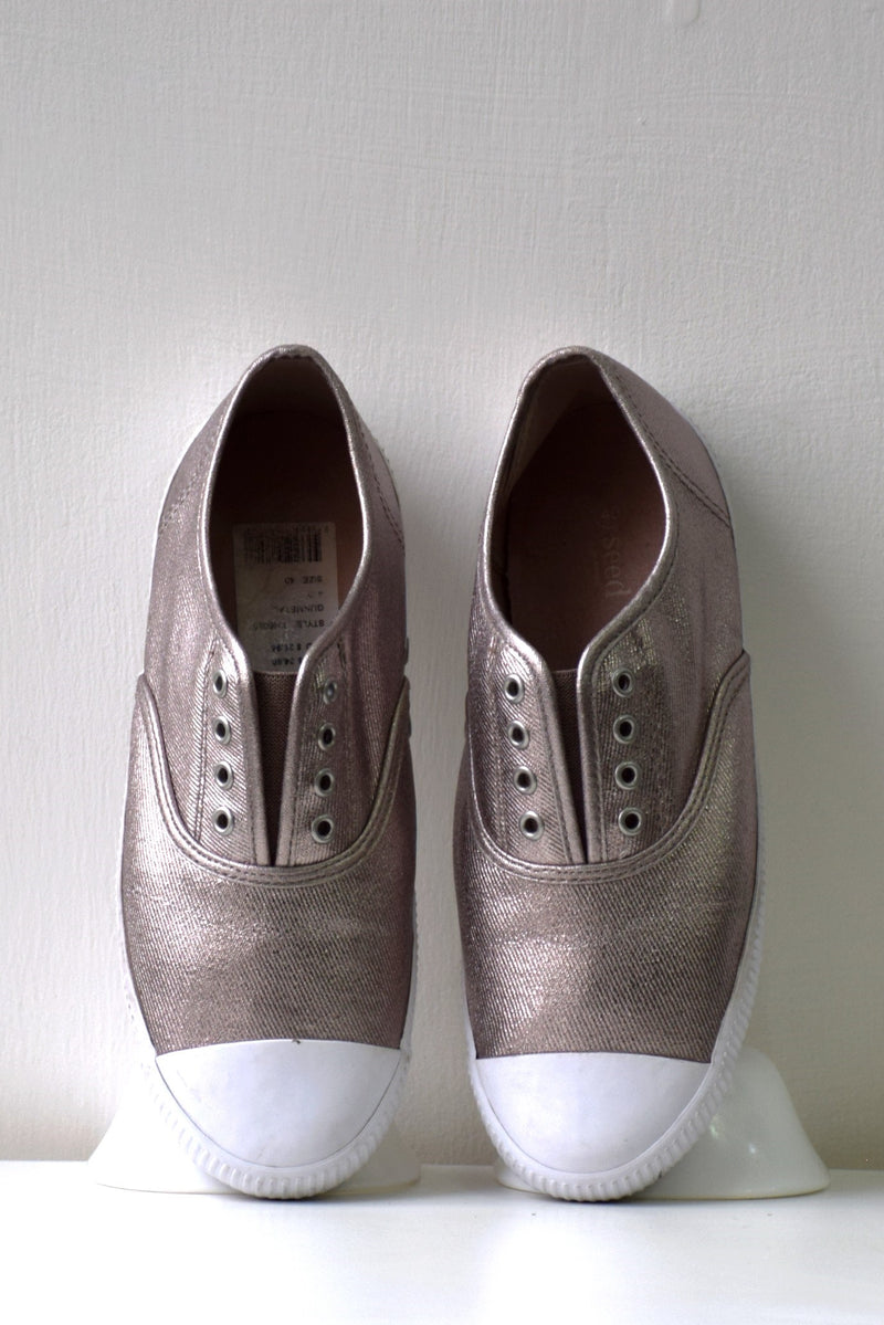 Preowned - Shiny Canvas Shoes