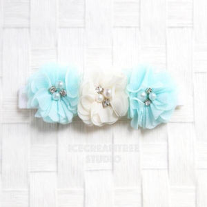 Light Blue and Cream Flower Necklace - Elastic Pet Collar