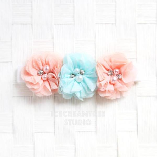Peach and Light Blue Flower Necklace - Elastic Pet Collar