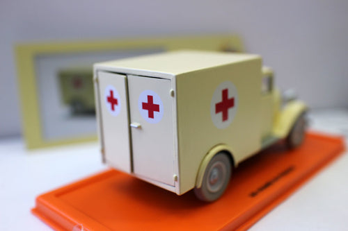 Ambulance of the Asylum - Rare Collection Figure