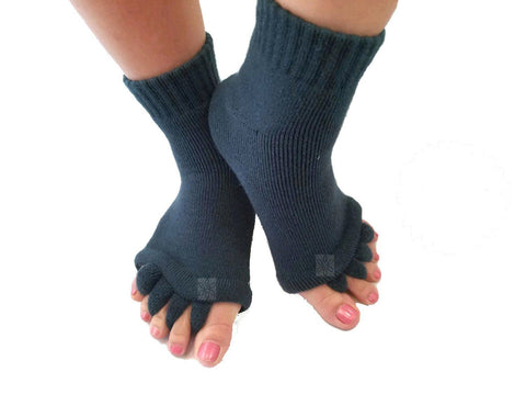 Roht Toe Separator Yoga Gym Sports Massage Socks for Foot Alignment